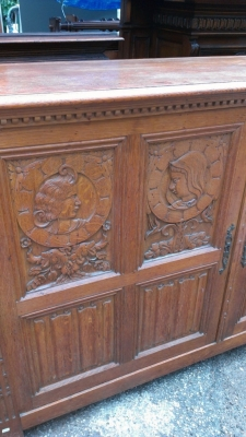 14E CARVED RUSTIC LINENFOLD CABINET