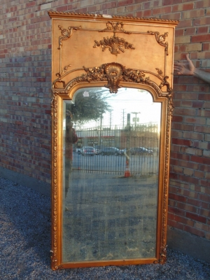 14B15005 TALL GILT LOUIS XV MIRROR (3)