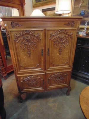 SOLD   14B15011 MEDIUM 4 DOOR COUNTRY FRENCH CABINET  (1)