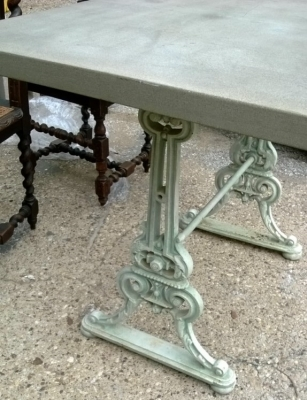 14F06011 ORNATE IRON BASE TABLE WITH CAST STONE TOP (3).jpg
