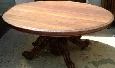14F06018 LARGE CARVED PEDESTAL BASE OVAL TABLE  (1).jpg