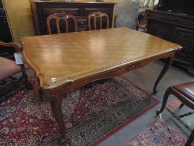 14B15012 LIGHT COLORED LOUIS XV DRAWLEAF TABLE  (1)