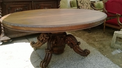 14F06018 LARGE CARVED PEDESTAL BASE OVAL TABLE  (8).jpg
