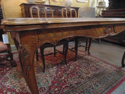 14B15012 LIGHT COLORED LOUIS XV DRAWLEAF TABLE  (4)
