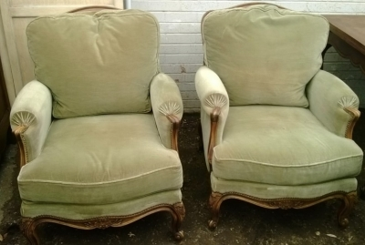 14F06026 PAIR OF LOUIS XV UPHOLSTERED ARM CHAIRS (1).jpg