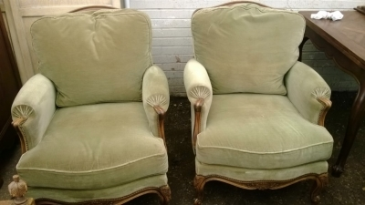 14F06026 PAIR OF LOUIS XV UPHOLSTERED ARM CHAIRS (8).jpg