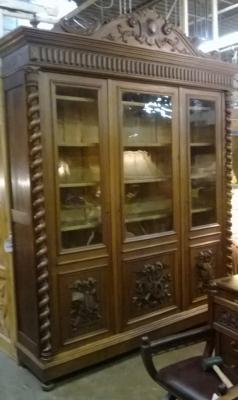 14F06037 LARGE 3 DOOR BARLEY TWIST BOOKCASE  (1).jpg