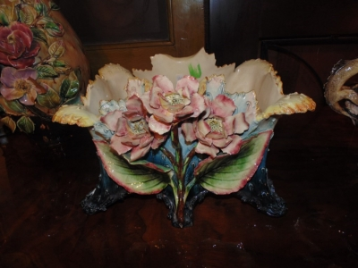 SOLD  14B15019 LARGE FANCY MAJOLICA VASE  (1)