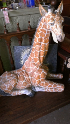 14F02507 GIRAFFE STATUE AS IS