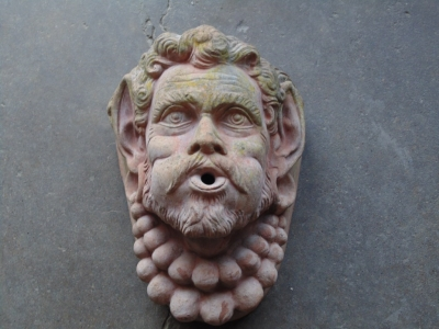 14B15022 TERRA COTTA FOUNTAIN WITH FACE (1)