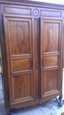 14F164  LOUIS PHILLIPE ARMOIRE
