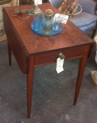 36 PEMBROKE MAHOGANY DROP LEAF TABLE 19TH CENTURY