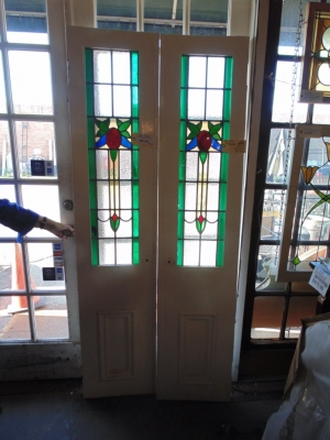14B15023 PAIR OF STAINED GLASS SIDELIGHTS (2)