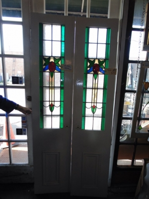 14B15023 PAIR OF STAINED GLASS SIDELIGHTS (4)