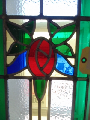 14B15023 PAIR OF STAINED GLASS SIDELIGHTS (6)