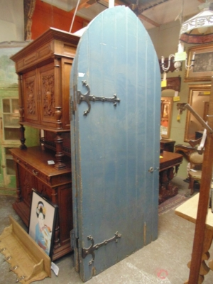 14B15027 PAIR OF BLUE PAINTED GOTHIC DOORS (1)