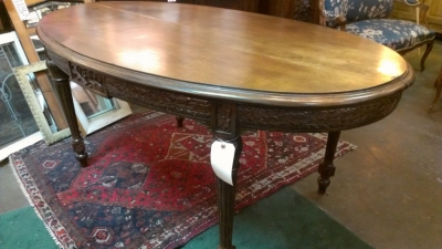 36 83901 large oval table with carved skirt (2).jpg