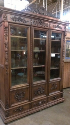 14G10 THREE DOOR CARVED BOOKCASE TURN OF THE CENTURY (1).jpg