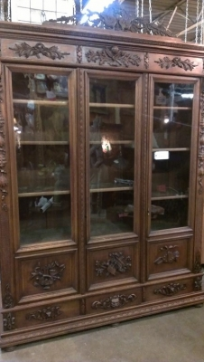 14G10 THREE DOOR CARVED BOOKCASE TURN OF THE CENTURY (9).jpg