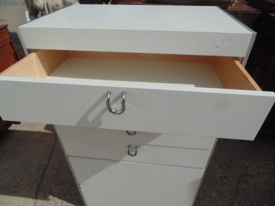 14B15050 TALL WHITE MODERN CHEST OF DRAWERS (2)