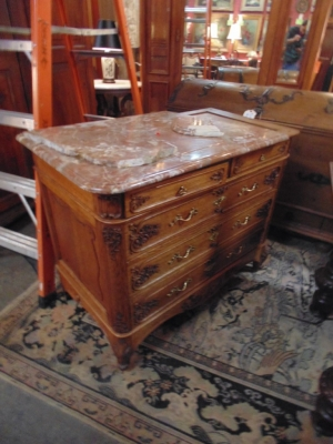 14B15051 LOUIS XV FINE CARVED MARBLE TOP COMMODE  (1)