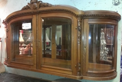 14G28 WALL CABINET WITH CURVED GLASS