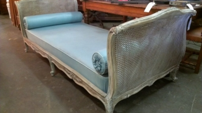 14G28 FRENCH CHAISE