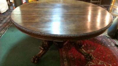 36 83615 ROUND CARVED FRENCH TABLE