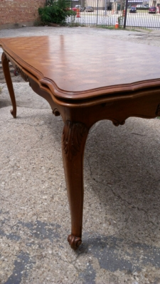 14G27 COUNTRY FRENCH TABLE DETAIL