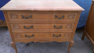14G27 3 DRAWER CHEST