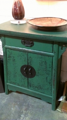 36 83624 GREEN CHINESE CABINET