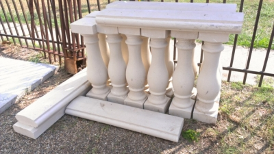 14H04200 SERIES SET OF LG BALUSTERS AND RAIL CAST STONE  (1).jpg