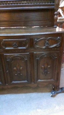 36 76512 EARLY FRENCH CARVED VASILIER