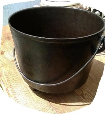 iron pot