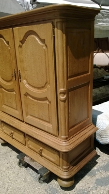 huge rustic oak cabinet detal