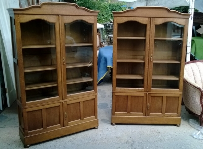 pair matching oak bookcases nice small scale