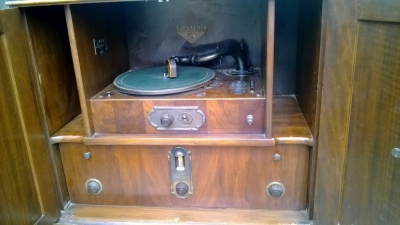 14I16035 1928 VICTOR ELECTROLA (4).jpg
