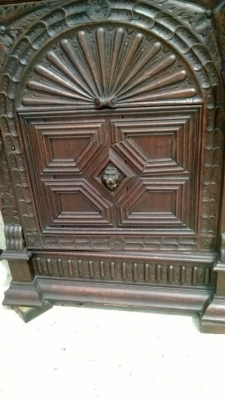 14I16050 NARROW MECHILLIN  STAINED GLASS CUPBOARD (2).jpg