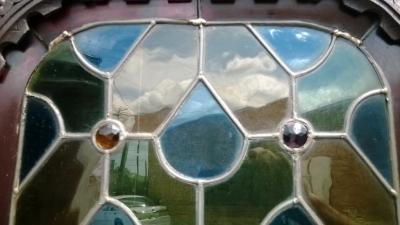 14I16050 NARROW MECHILLIN  STAINED GLASS CUPBOARD (7).jpg