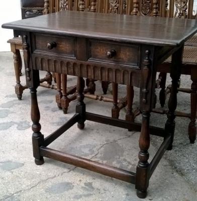 14I16058 ENGLISH OAK PEGGED SIDE TABLE  (3).jpg