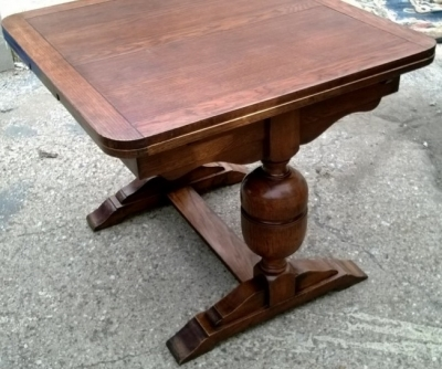 PEDESTAL BASE ENGLISH PUB TABLE (1).jpg