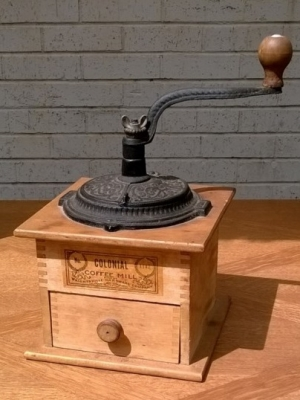 14I16023 COFFEE MILL.jpg