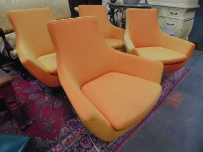14C10632A AND B PAIRS MIDCENTURY MODERN TANGERINE CHAIRS (2)