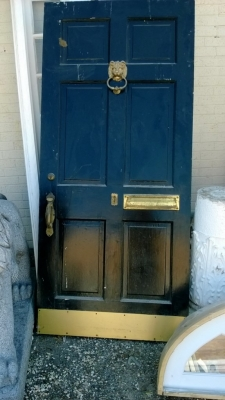 14I22314 PAINTED ENTRY DOOR WITH LION HEAD KNOCKER  (1).jpg