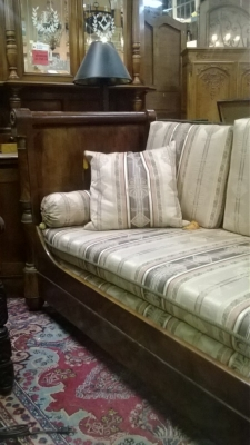 14I29220 EARLY 19TH CENTURY FRENCH DAY BED (3).jpg