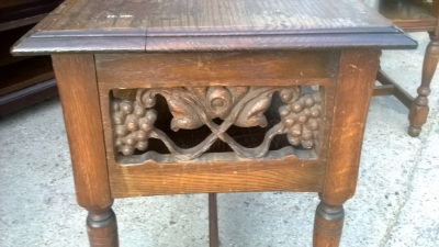 14I29374 PAIR OF CARVED OAK END TABLES  (3).jpg