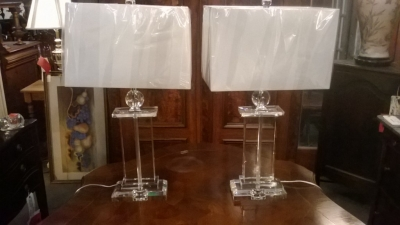 14I30101 PAIR OF CLEAR GLASS TABLE LAMPS (1).jpg