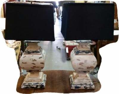 14I30101 PAIR OF HEAVY PAINTED WOOD TABLE LAMPS .jpg
