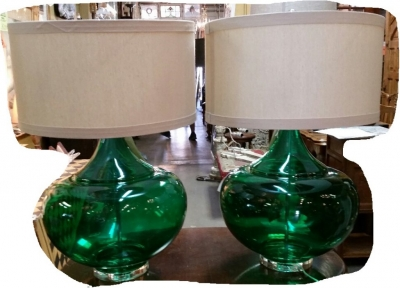 14I30101 PAIR OF LARGE GREEN GLASS LAMPS (2).jpg