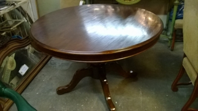 123-ROUND MAHOGANY GAME OR DINING TABLE (1).jpg